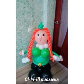 Девочка - солдатка из шаров